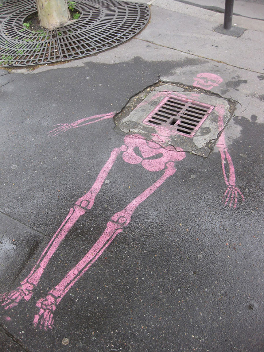 Pieces Of Street Art That Interact With Their Surroundings