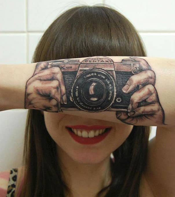 clever-interactive-tattoo-design-11