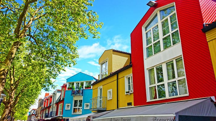 colourful-buildings-065