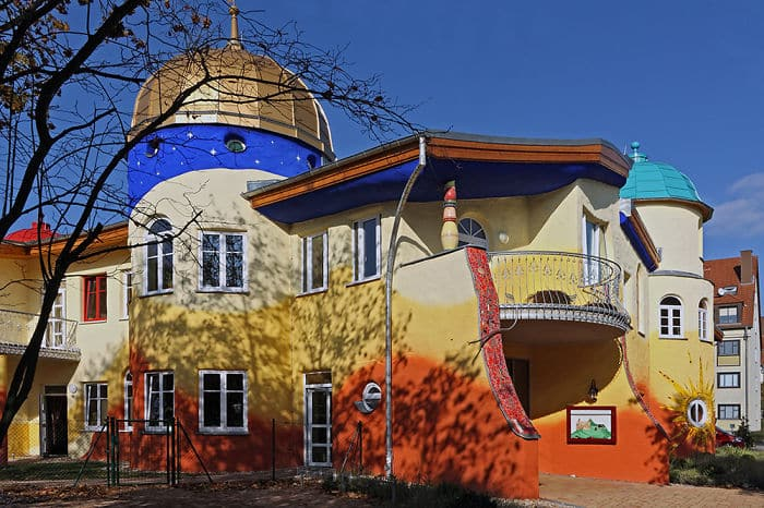 colourful-buildings-071