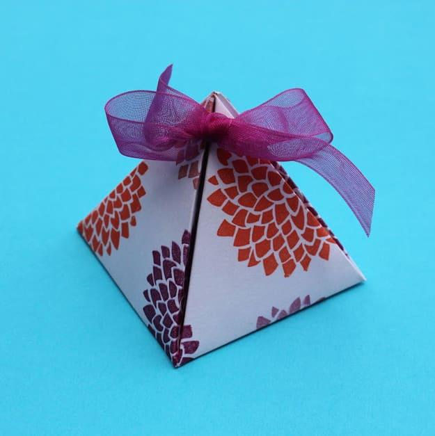 28. Gift Box