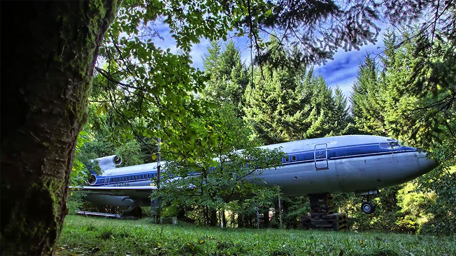 Retired Boeing 727 Home In The Woods