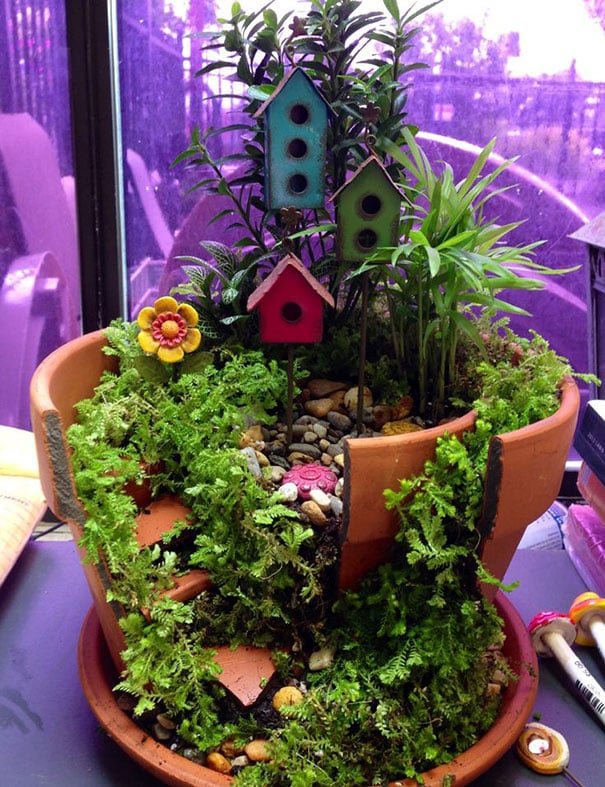 diy-broken-pot-fairy-garden-10