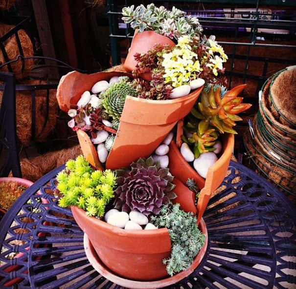 diy-broken-pot-fairy-garden-11