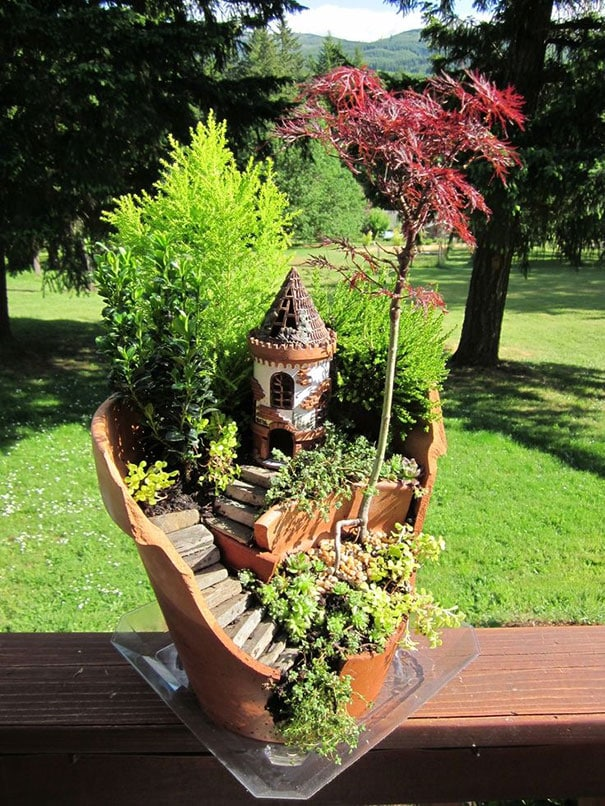 diy-broken-pot-fairy-garden-18
