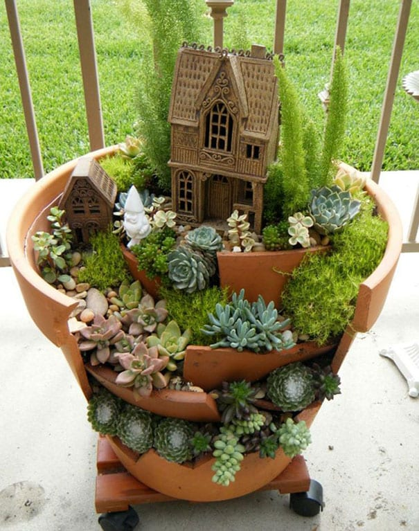 diy-broken-pot-fairy-garden-3