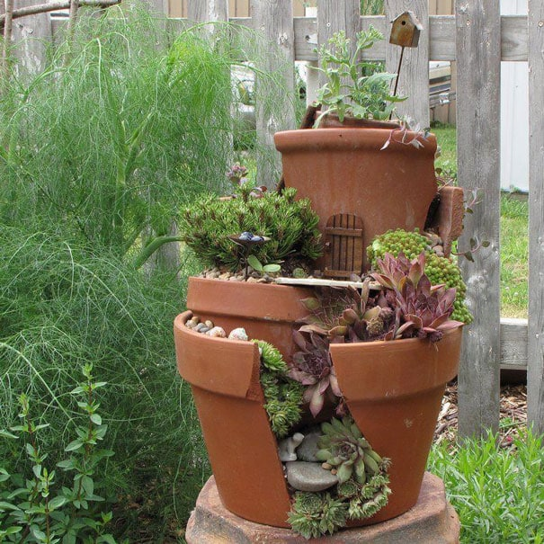 diy-broken-pot-fairy-garden-9