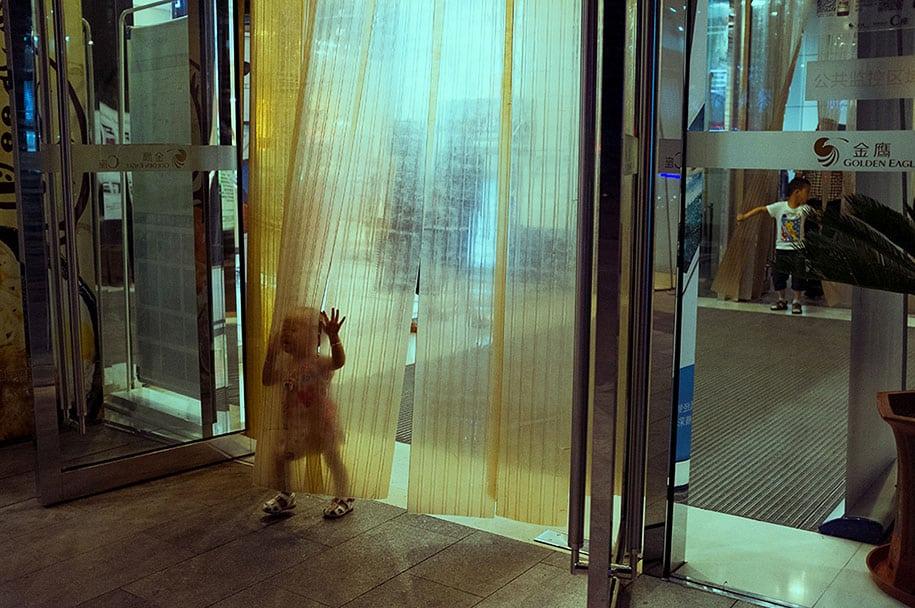 china-perfectly-timed-street-photography-tao-liu-13
