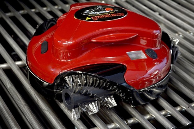 Grillbot — Automatic Grill Cleaner