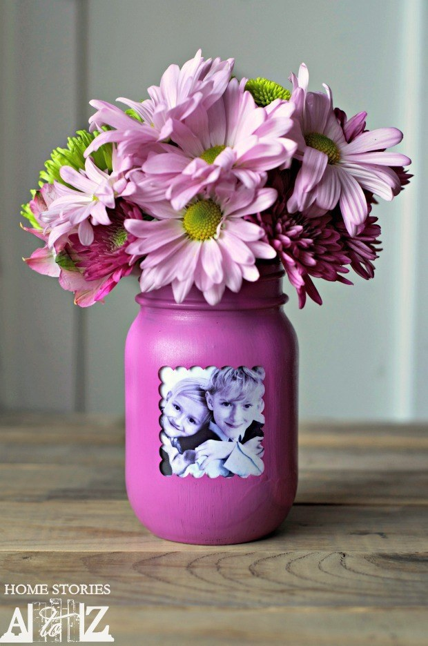 Or turn a mason jar into a vase with a little paint!
