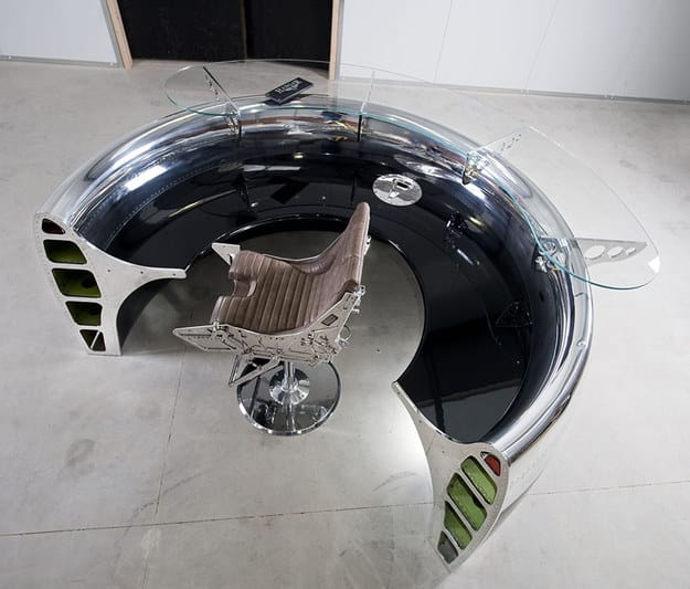 This Jetsons-style space desk.