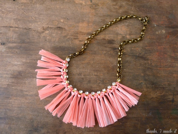 Thanks, I Made It: Raffia Necklace