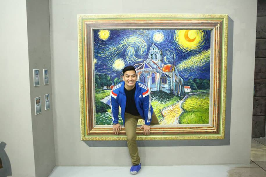 Interactive 3D Art Museum In Philippines Let's You Step Inside Paintings -DesignBump