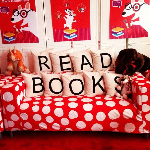 An Awesome Pillow Idea for a Library Area