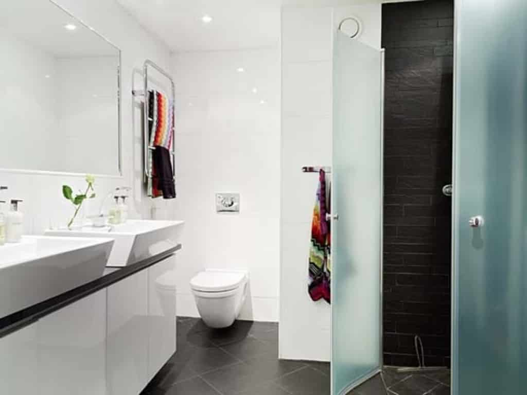 35 Stylish Small Bathroom Design Ideas -DesignBump