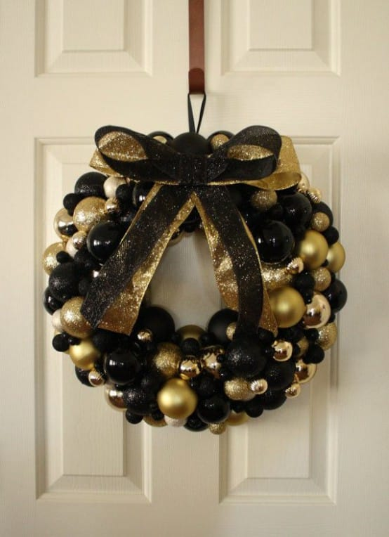 34 Black & Gold Christmas Decor Ideas -DesignBump