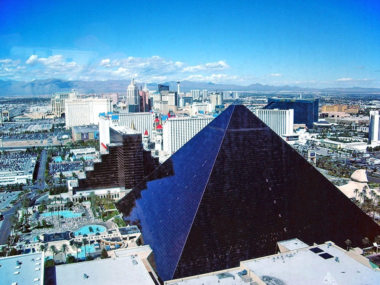 Hotel Designs of Las Vegas Strip - The Luxor Hotel Las Vegas