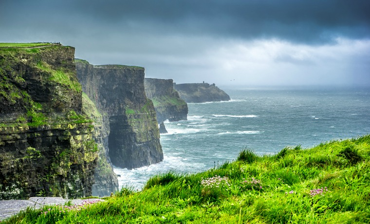 This iconic location in Ireland attracts millions of visitors per year, where people lose themselves to the beauty of nature and delve into the majestic cliffs.