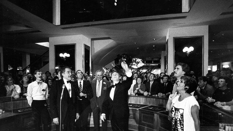 John Bannon Opens Adelaide Casino in 1985