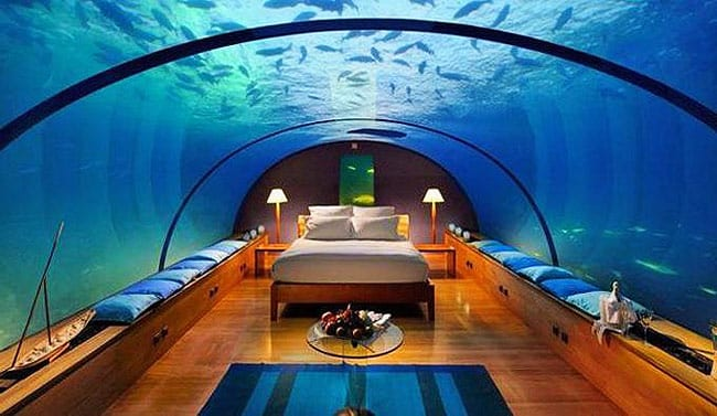 The Jules Undersea Lodge has a four-star category and has positioned itself as a non-smoking hotel. Smoking here is probably not a great idea.
