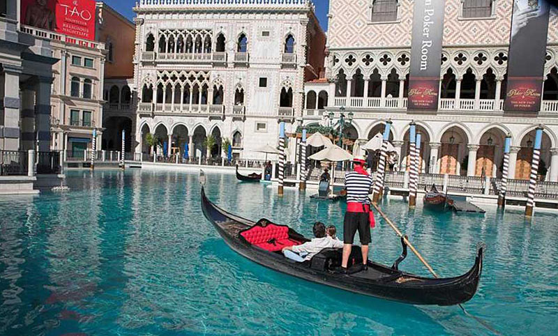 The Venetian recreates the atmosphere of Italy, except your in Vegas.