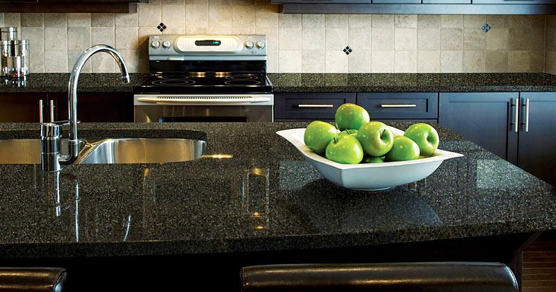 Kitchen makeover : Quartz Countertops