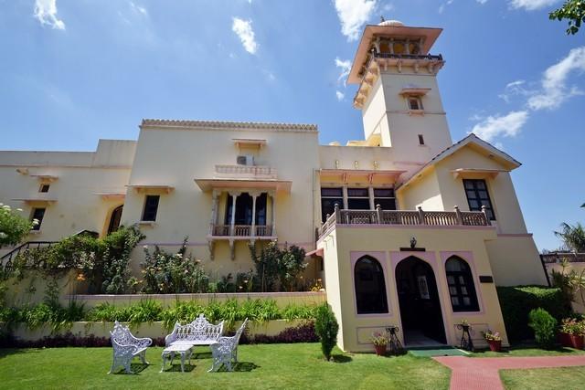The Jaipur House, Mount Abu, Rajasthan, India, Book Best 3