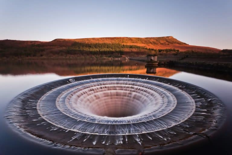 Macintosh HD:Users:brittanyloeffler:Downloads:Upwork:Hole in Lake:gag-daily-ladybower-reservoir-768x512.jpg