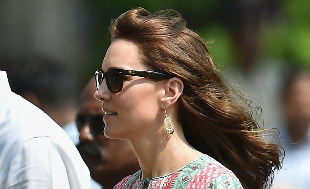 Macintosh HD:Users:brittanyloeffler:Downloads:Upwork:Rich People:7-celebrity-gifts-earrings.jpg