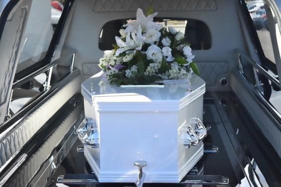 https://www.humaverse.com/wp-content/uploads/2018/12/funeral-1542132994784.jpg