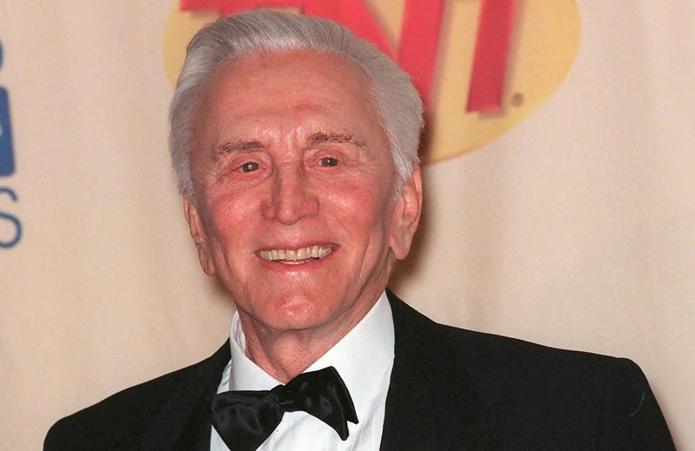 Kirk Douglas © Featureflash Photo Agency / Shutterstock.com