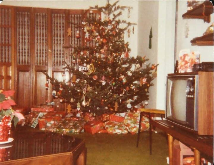Macintosh HD:Users:brittanyloeffler:Downloads:Upwork:Christmas Gift:Christmas-Tree.jpg