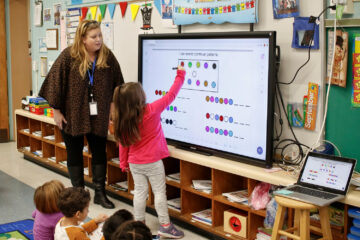 District 24 adopts new teaching technology in the classroom | Herald Community Newspapers | www.liherald.com
